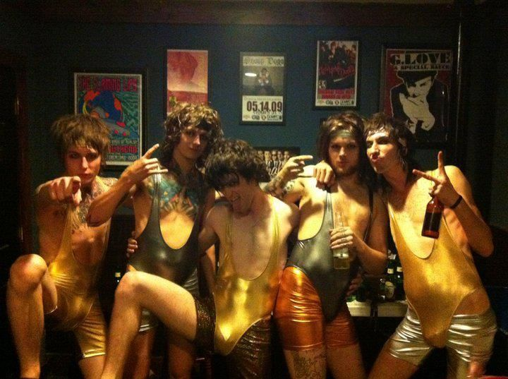 Naked girls in asking alexandria