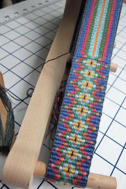 Lovely silk Krokbragd inkle band by Daryl Lancaster. #weaving #inkle
