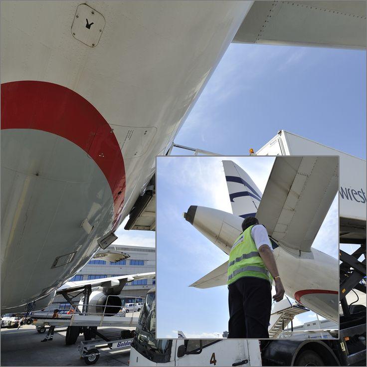 Ένας εξωτερικός οπτικός έλεγχος του αεροσκάφους από τον κυβερνήτη της πτήσης πριν από την απογείωση για την Πίζα
