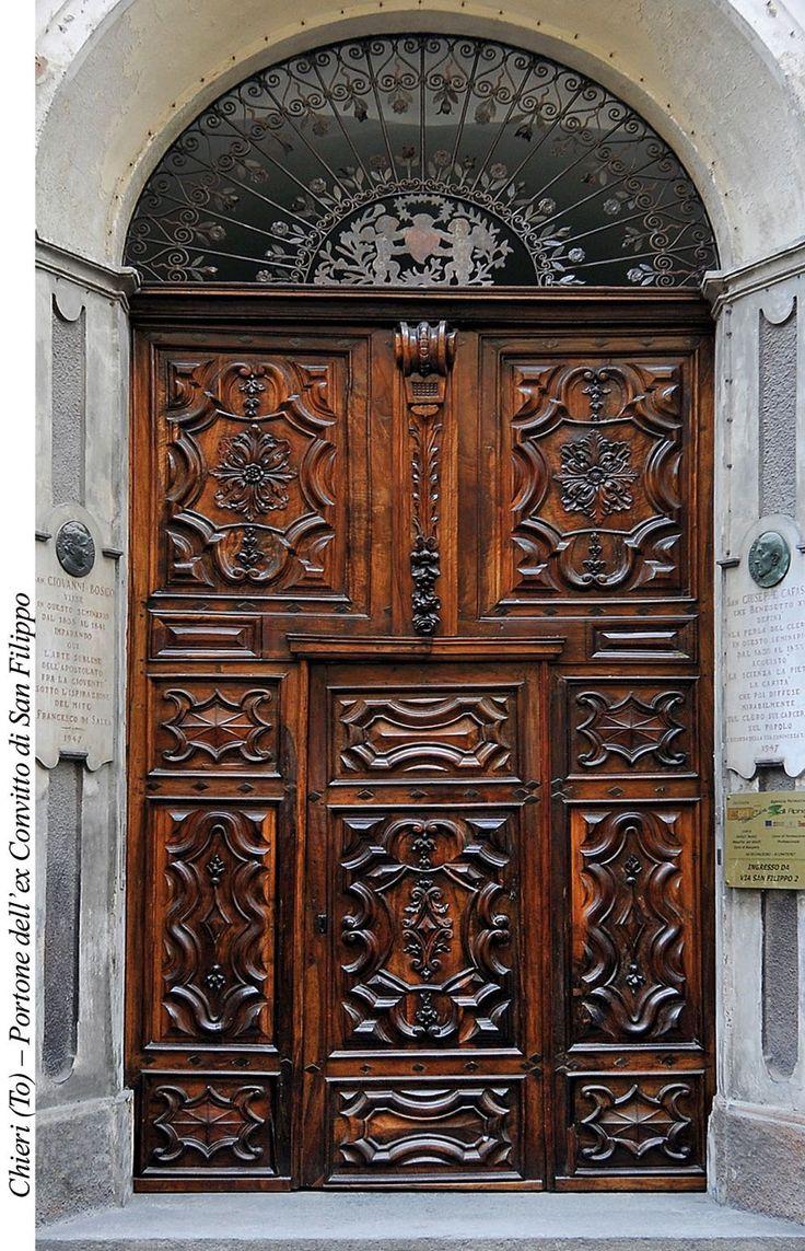 Wood door XVIII c of Oratorio San