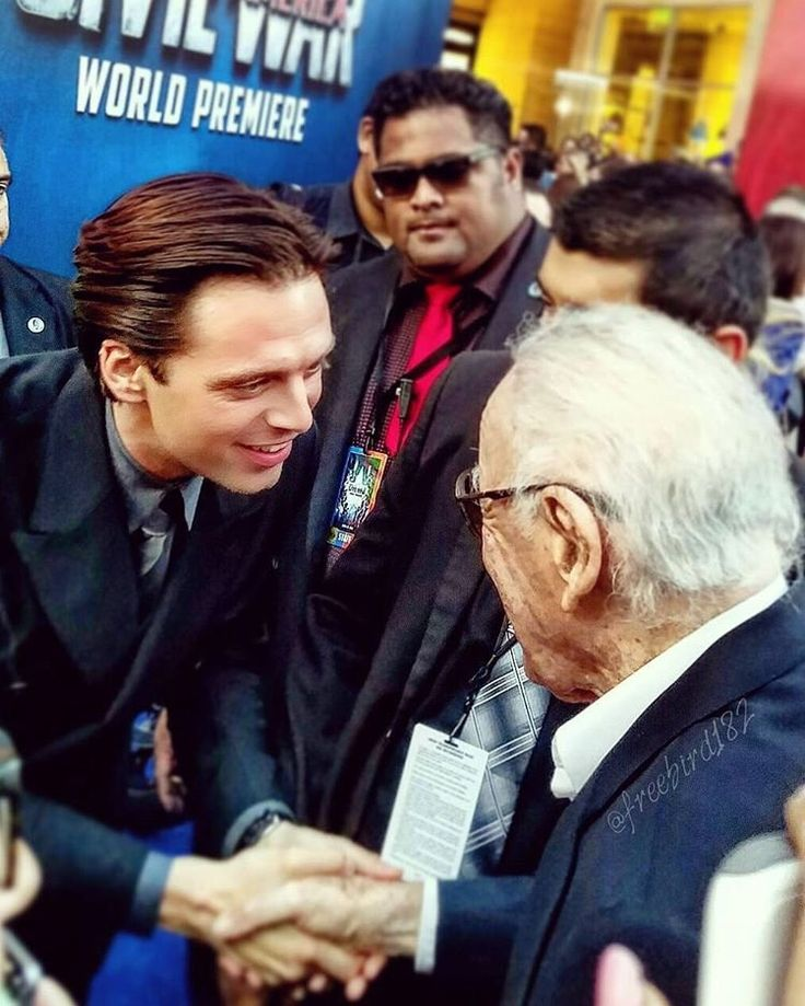 Sebastian Stan & Stan Lee at the Captain America Civil War World Premiere (2016.4.12)<<< In Stan Lee's cameo he arrives with a package addressed for 'Tony Stank'. Rhody's sass just takes off on that one! So great!