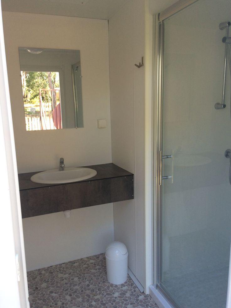les 25 meilleures id es de la cat gorie coin cabines de douche sur pinterest douches de coin. Black Bedroom Furniture Sets. Home Design Ideas