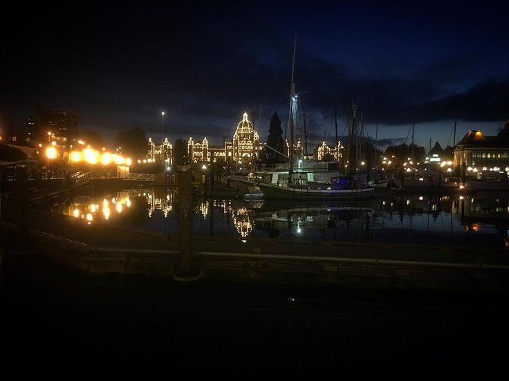 Love this city. . . . #yyj #harbour #legislature #weekendtravels #nightphotography #victoria #vancouverisland #waterfront #stroll