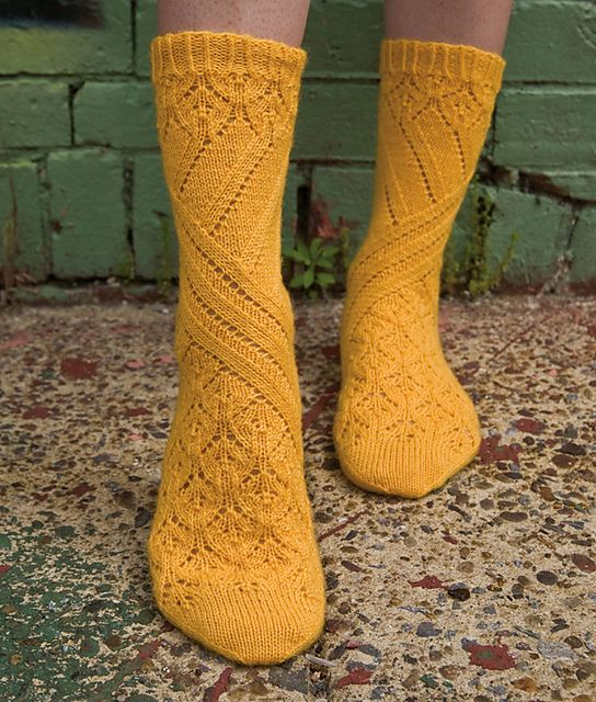 Pretty Sunflower yellow sock pattern. Pointelle, by Cookie A. (lgt Ravelry)