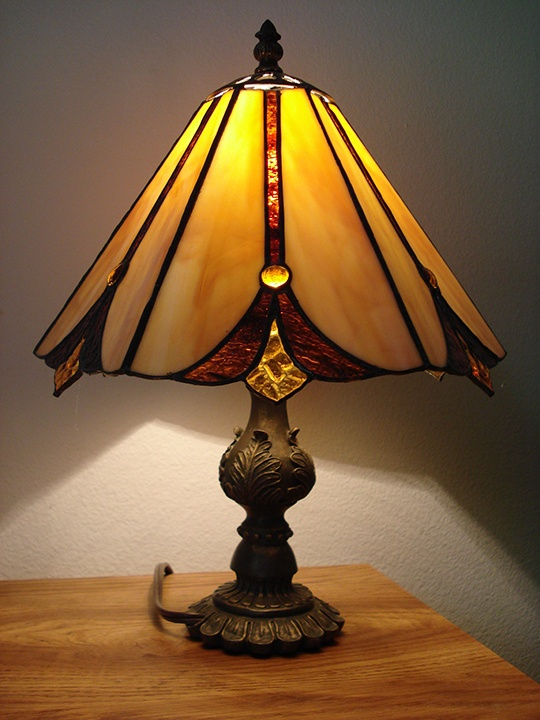 Victorian style lamp with stained glass shade by jannie ledard glass art