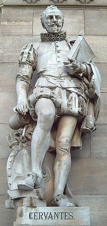 Escultura de Cervantes.El manco de Lepanto?Pues claro, tuvo tiempo de luchar y de escribir, aparte terminó como Barcenas en Soto del Real.Un español típico.