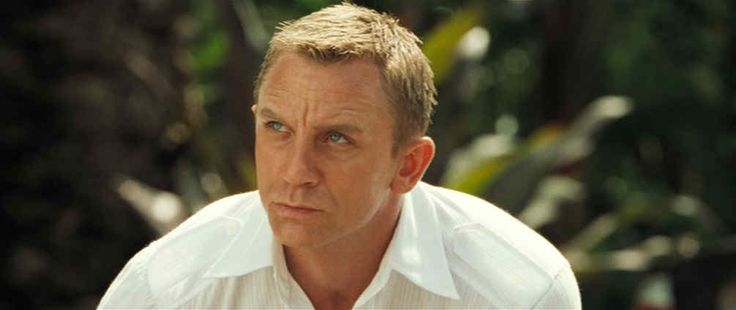 Daniel Craig Bond Haircut Pictures In Casino Royale, Skyfall, Quantum of Solace |
