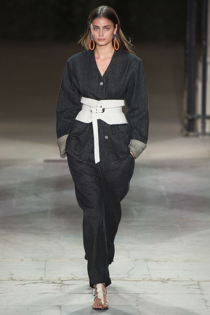 Isabel Marant Spring 2017 Ready-to-Wear Fashion Show - Taylor Hill (IMG)