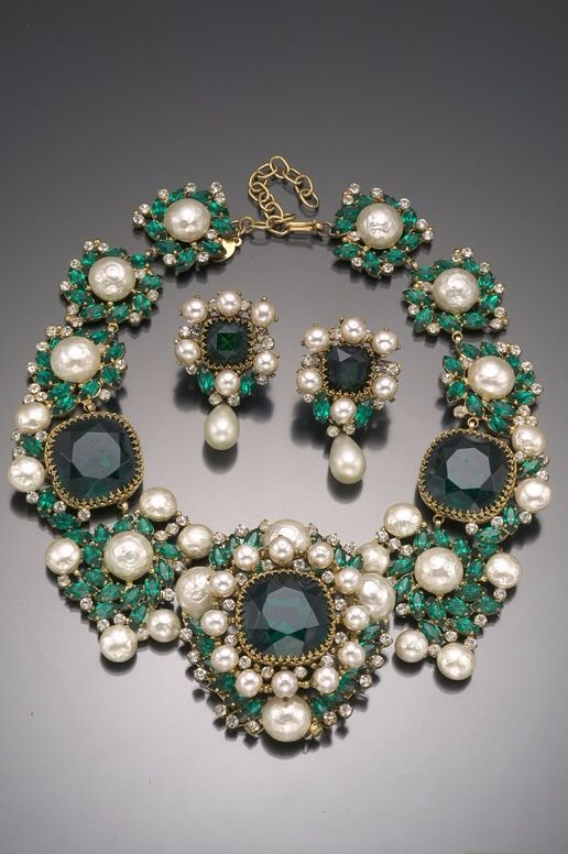 Vintage Costume Jewelry Love- Balenciaga Emerald Green Necklace and Earring Set