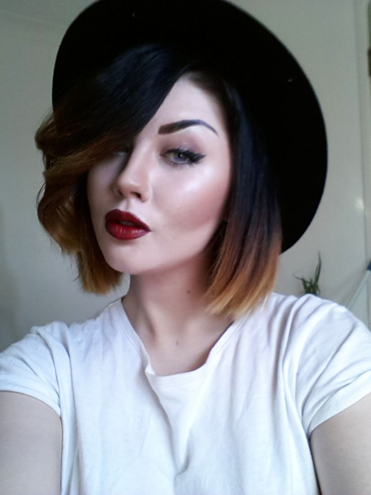 Vampy makeup. really dislike ombré but this short i dig it; if I ever chopped it off!