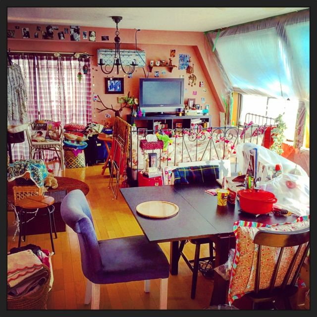 ellieさんの、パリのアパルトマン,ガーリー,部屋全体,カラフル,のお部屋写真