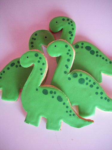 dinosaur cookies Pinned By: http://www.cookiecuttercompany.com/ #dinosaur #cookie #decorated