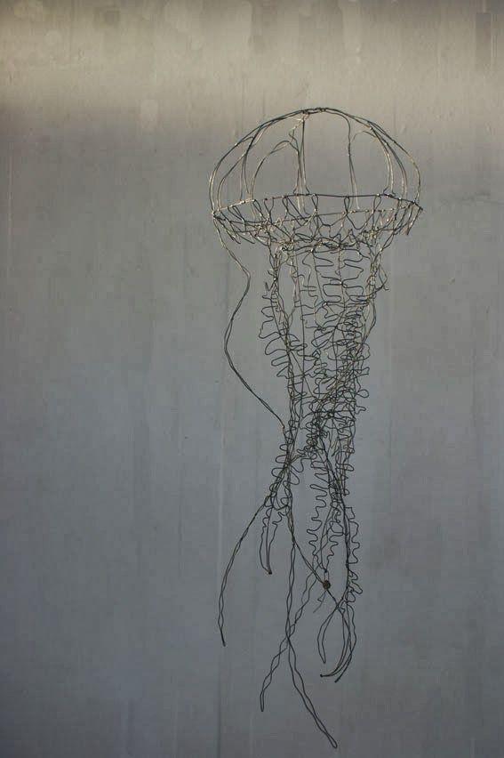 objets fils de fer sculptures et objets: Méduse