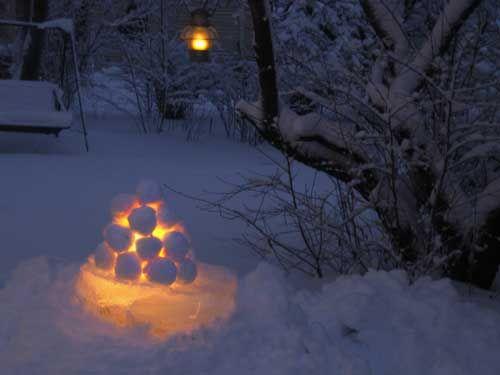 Lumilyhty, snow lantern.