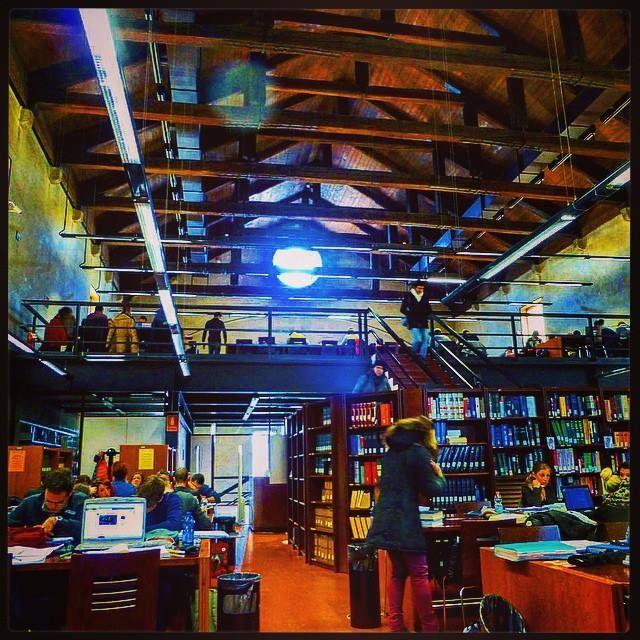 Biblioteca Frinzi - Sala Consultazione