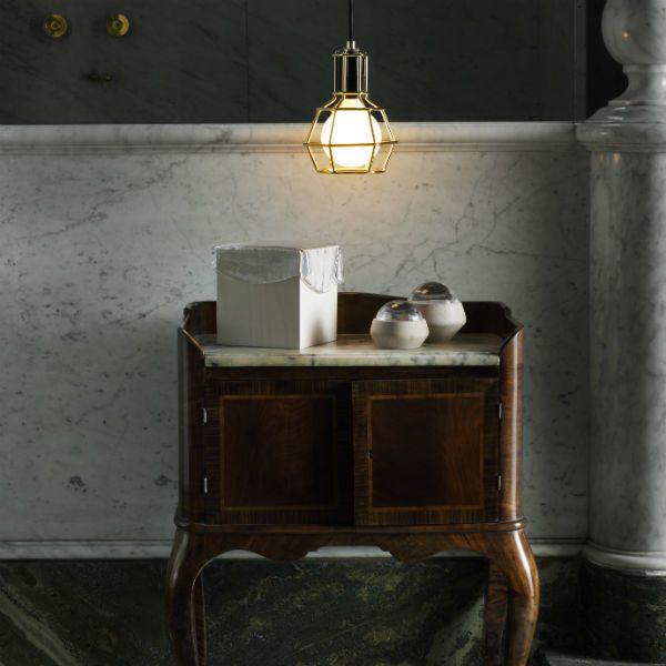 Snyggt att blanda nytt med gammalt eller vad tycker ni?  #wattochveke #worklamp #fråga #homebysweden #heminredning #design #designklassiker #inredningsdetalj