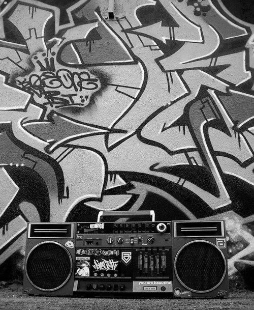 DANÇA / MÚSICA - Ghetto Blaster Se possível alugar alguns sons para usar de dressing fino no hall de entrada ou em cima do palco ou na camarote