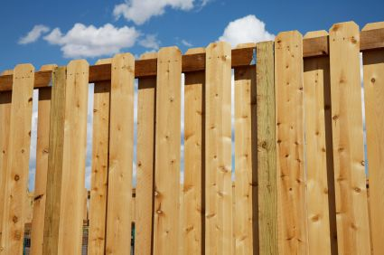 how to build a cheap wood fence