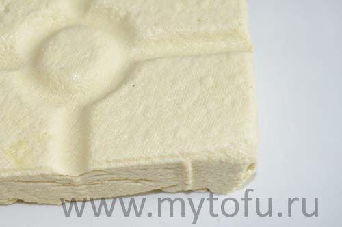Твердый  тофу-стоимость 120 г полотняного тофу – 11,0 руб или 92 руб за 1 кг