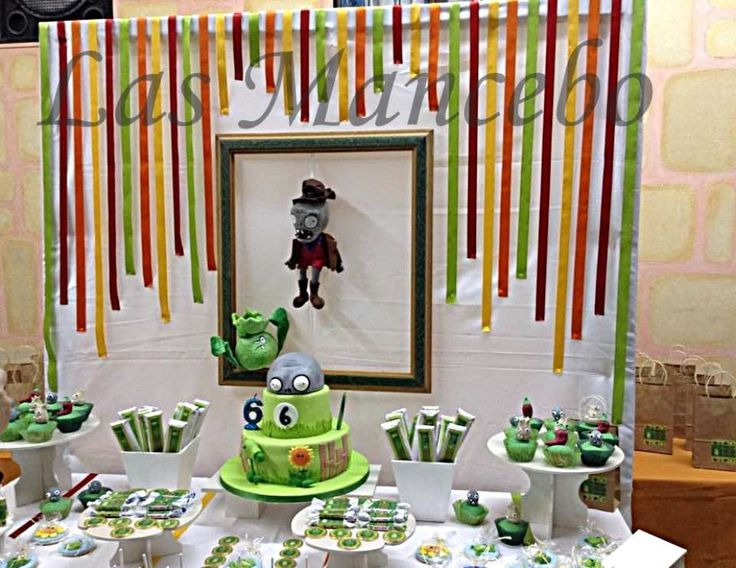 """Plants vs. Zombies / Birthday """"Candy Bar Plants & Zombies"""" 
