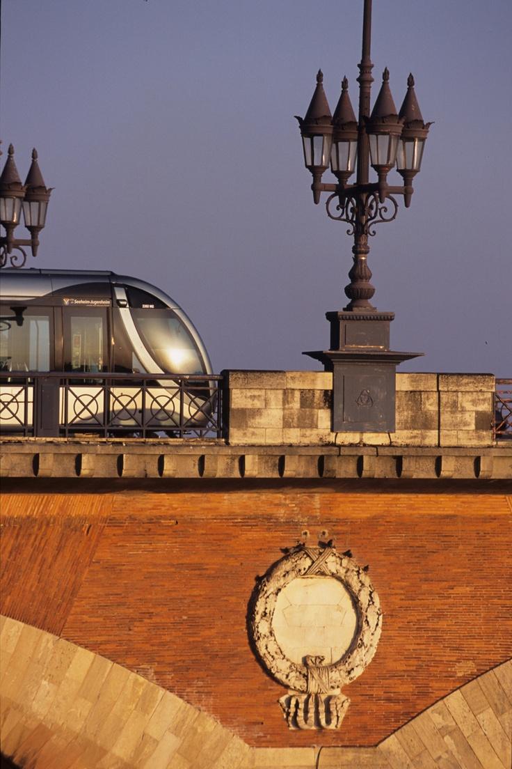 Tramway on the pont de pierre