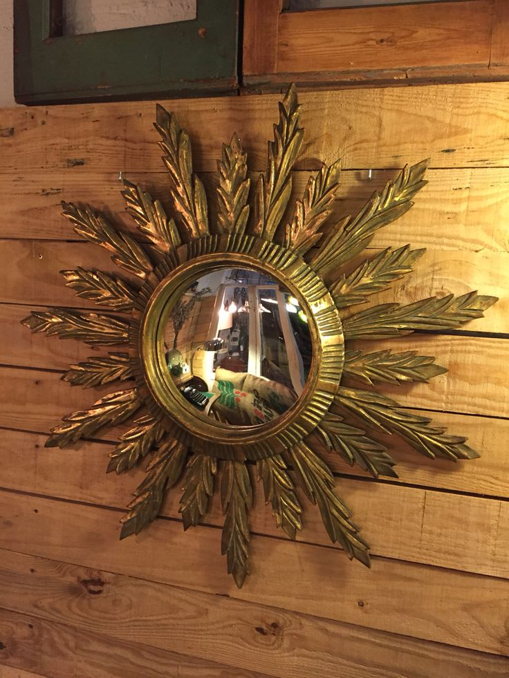Precioso espejo convexo muy de moda en estos momentos. Espejo muy adaptable a cualquier espacio.