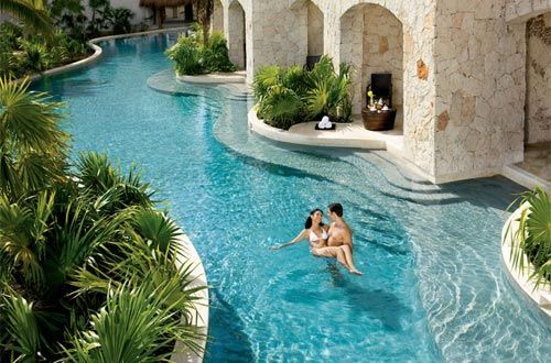 Exceptional Lazy River Pools