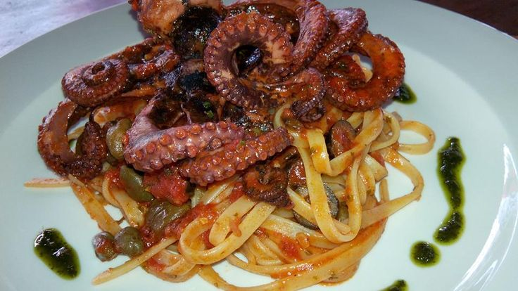Dapur Italy...di Noer: Spaghetti alla chitarra con ragù di polpo ( Spaghe...
