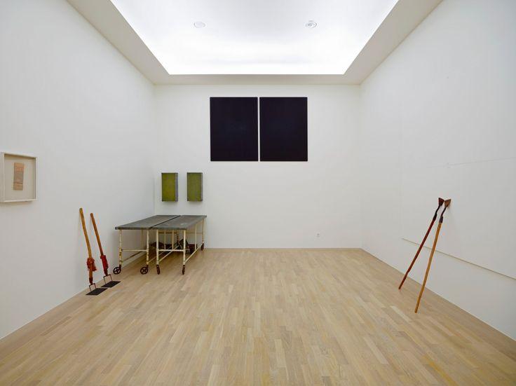 Joseph-Beuys-Zeige-deine-Wunde-Show-Your-Wound-1974–5-Städtische-Galerie-im-Lenbachhaus-©-DACS-2005.jpg (JPEG Image, 1200×899 pixels)