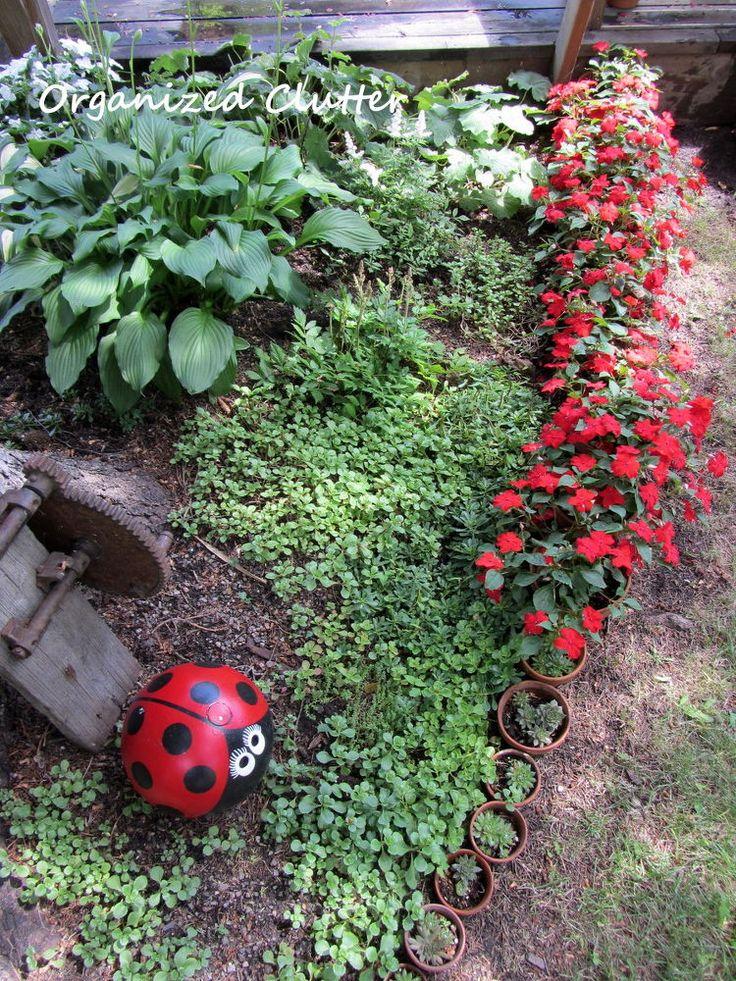 13 Unique Garden Borders Your Neighbors Will Stop to Admire