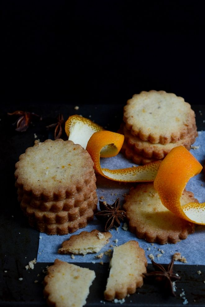 Shortbread with star anise and orange