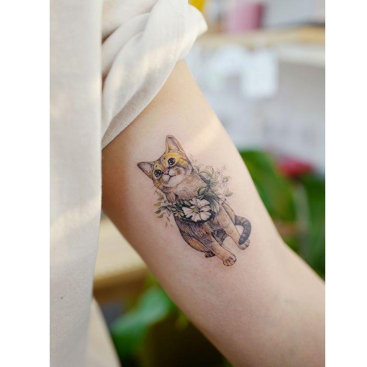 cute cat tattoo by @tattooist_banul