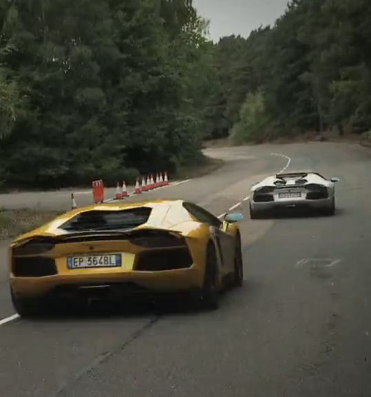 Watch the Lamborghini Aventador's Roadster and Coupe models in battle! Who will reign supreme? Hit the image to find out... #supercars #battle