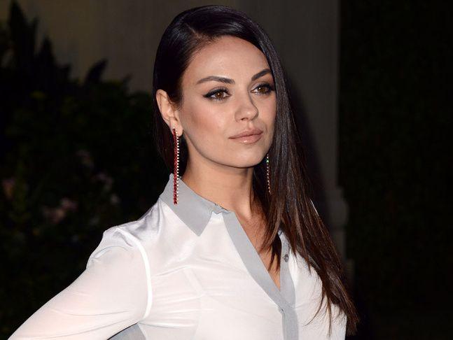 Mila Kunis sans maquillage pour le Glamour US.