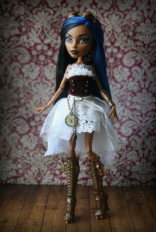 17 best images about dolls and zelfs on pinterest wolves custom dolls and monster high dolls - Monster high robecca steam ...