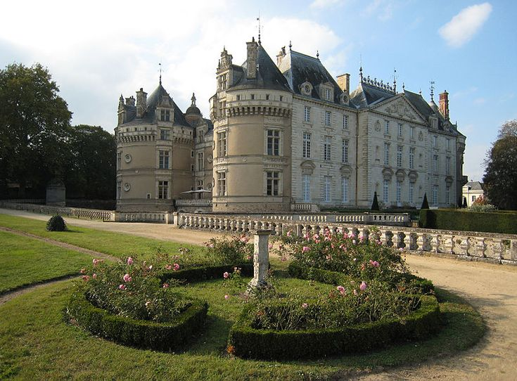 Castle Le Lude, located on the river Loir (not Loire) in the county of Sarthe/France