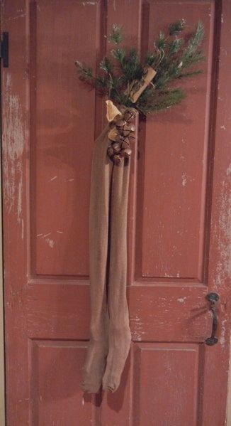 <3Red Doors, Prim Christmas, Doors Decor, Front Doors, Primitives Christmas, Christmas Stockings, Christmas Decor, Christmas Ideas, Sweets Doors