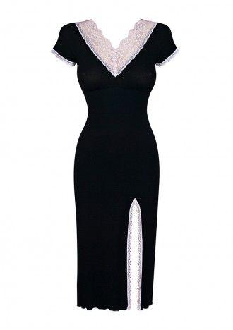 Koszula Serenity- to luksusowa, długa koszula z włoskiej dzianiny ze strukturą mikro-ściągacza w kolorze czarno - różowym. Zawiera włókna mikromodalu z dodatkiem elastanu oraz posiada wykończenie zapewniające jedwabiste i lejące właściwości dzięki czemu delikatnie muska ciało, dając niezwykłe doznania. Dekolt w kształcie