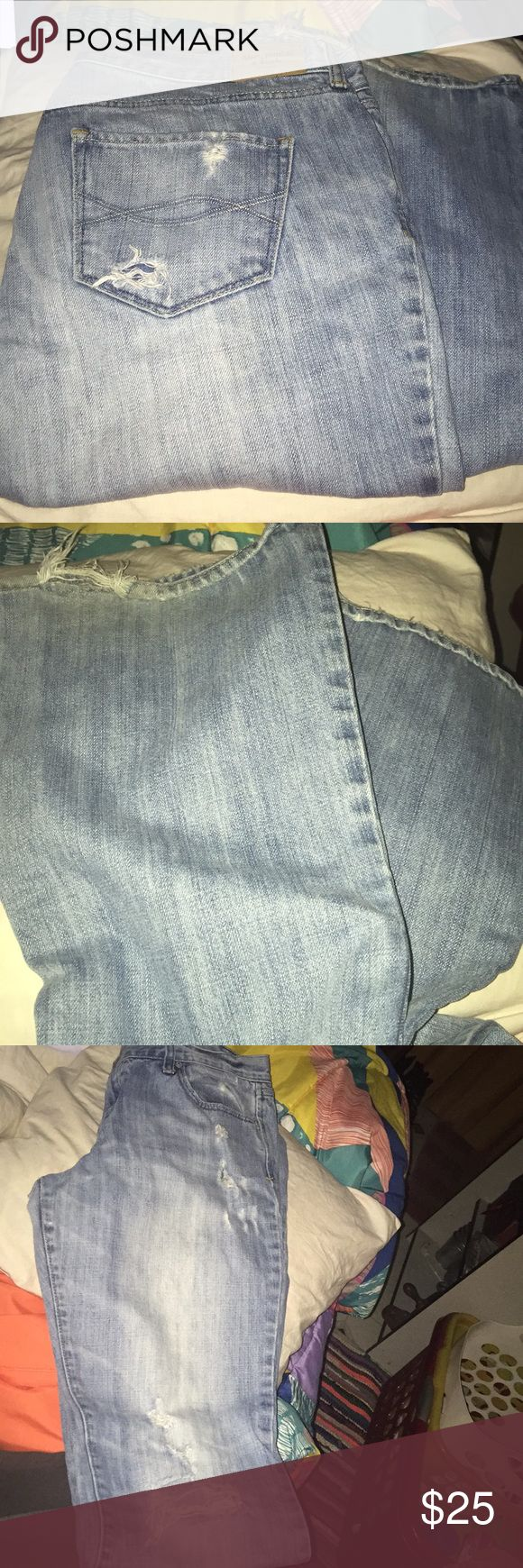 Women's Distressed Abercrombie Jeans Size 10 Women's Abercrombie and Fitch distressed boot cut jeans size 10. In great condition. 33 inches in length. From a pet free smoke free home. Abercrombie & Fitch Jeans Boot Cut
