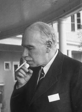 john maynard keynes essays in persuasion