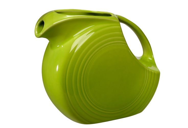 A Classic Design...love my red one.: Antiques Fiestas, Apples Green, Favorite Colors, Beautiful Pitchers, Fiestas Pitchers, Fiestas Lemongrass, Fiestas Ware, Aunt, Green Pitchers