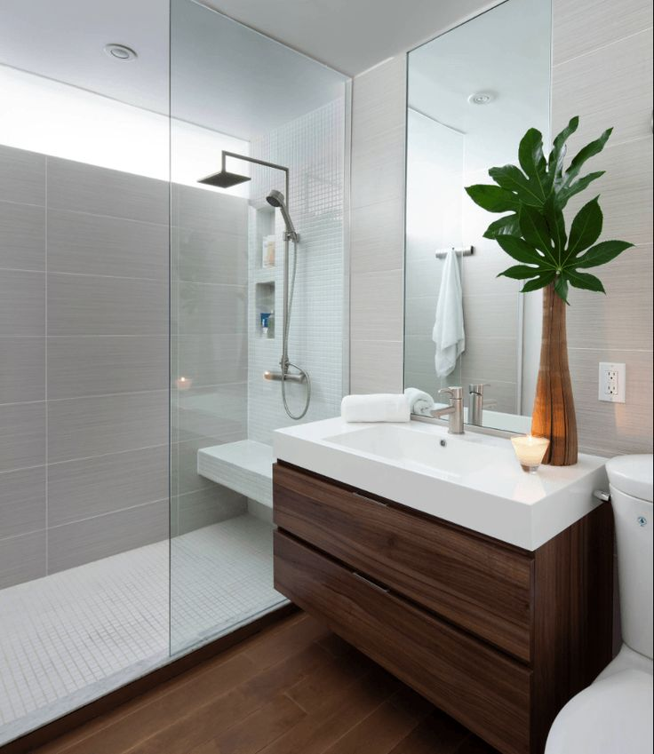Confira mais de 65 fotos de banheiros modernos, veja o que é tendência na decoração de banheiros modernos pequenos e grandes, banheiros simples e de luxo.
