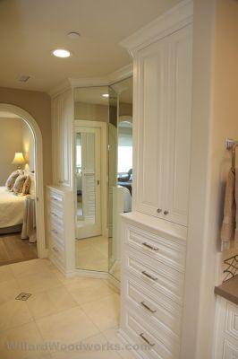 1000 ideas about bathroom built ins on pinterest small for Bathroom 3 way mirror