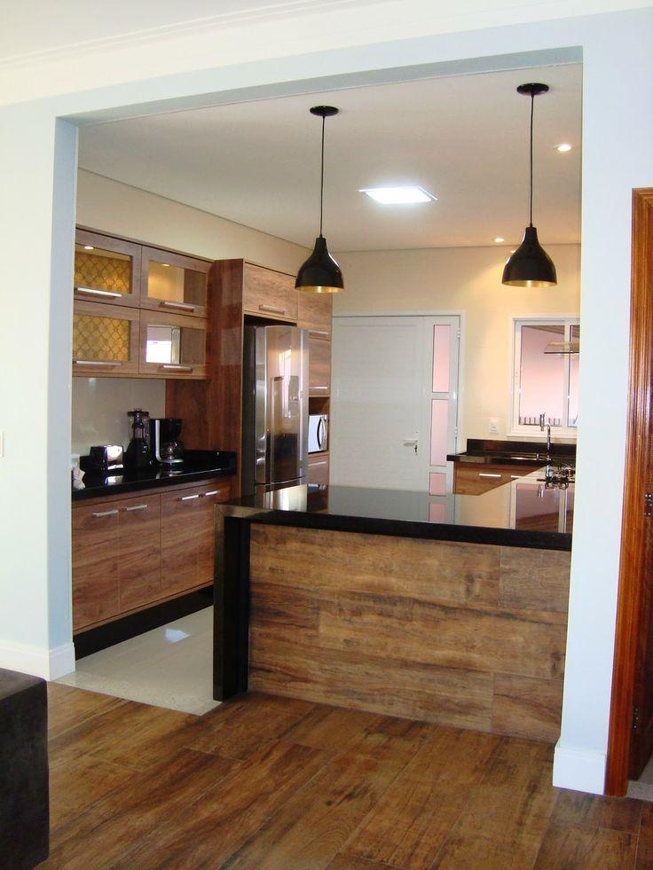 "A cozinha perfeita, com a porta nos fundos, lavabo na lateral e lavanderia atrás do lavabo ""in love"""