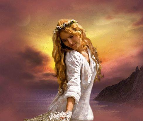 Фото Рыжеволосая девушка в белом платье и с веночком на голове держит в руке букет цветов