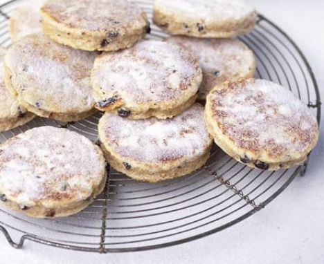 1000+ ideas about Dundee Cake Recipe on Pinterest | How To Make Scones, Scottish Dundee Cake and ...