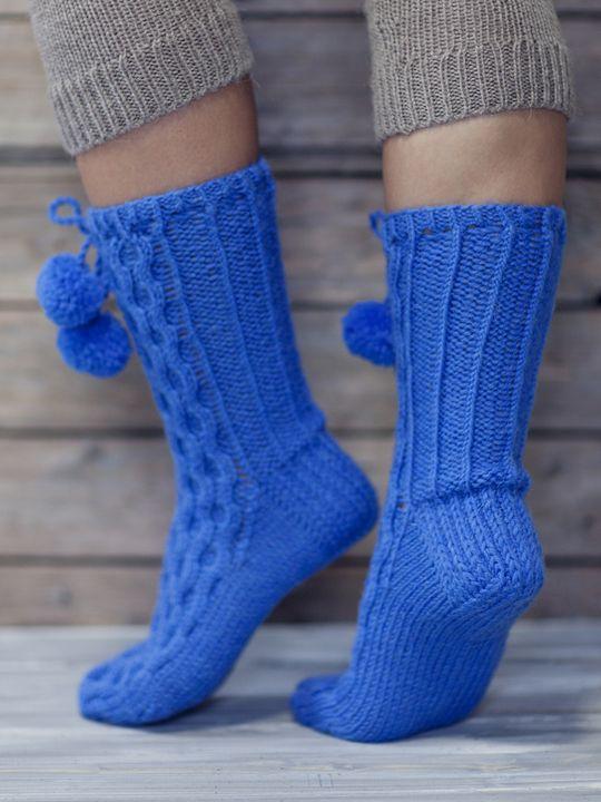 Palmikkosukat tupsuilla Novita 7 Veljestä   Novita knits