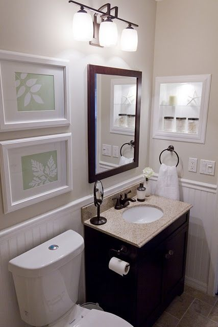 Black cream white small bathroom decorating samples i for Small 1 2 bathroom decorating ideas