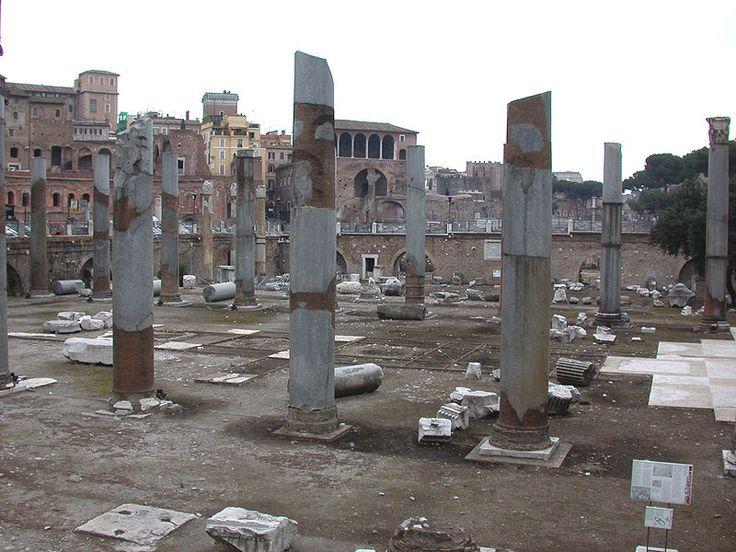 Bazylika Ulpia – bazylika zbudowana w 113 r. według planów Apollodora z Damaszku na Forum Trajana.
