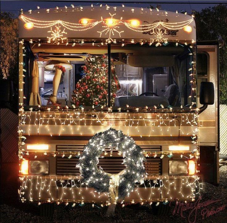 15 Awesome RV Christmas Decorations Ideas For Fun Christmas